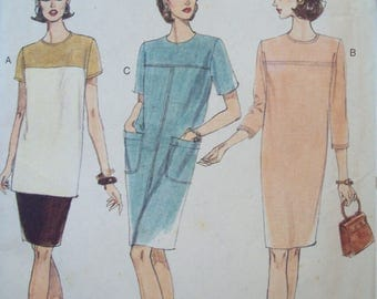 Tapered Dress or Tunic and Straight Skirt Very Easy Options Vogue Pattern 9441 Uncut Sizes 8-10-12