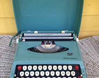 Vintage 1960s Turquoise Smith Corona Corsair Manual Portable Typewriter with Cover Case