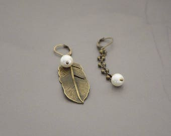 Bronze fantasy and feather brass chain earrings