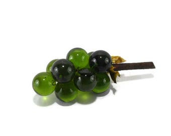 Vintage Lucite Grape Cluster  * Small * Green