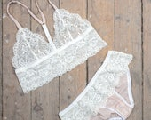 Lace and silk lingerie set / gift for her / sexy lingerie / romantic lingerie / romantic lingerie / Lingerie boho / birthday/lace bralette