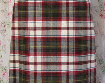 70s Skirt - Red & White Tartan Plaid - High Waisted Pencil Skirt - Fully Lined - Preppy Hipster Chic - Excellent Condition - Size Small