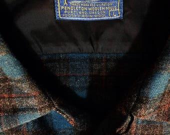Vintage Pendleton 100% virgin wool long-sleeved dual flap pocket flannel shirt mens size L.