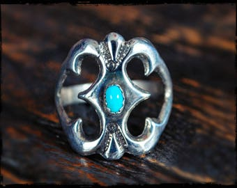 Navajo Native American Sandcast Ring with Turquoise - Size 9.5