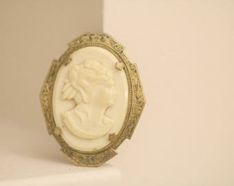 Antique  Cameo Pin, White Cameo Pin, Victorian Cameo Pin,  Cameo Jewelry, White Cameo Pin, Estate Jewelry, Woman's Gift