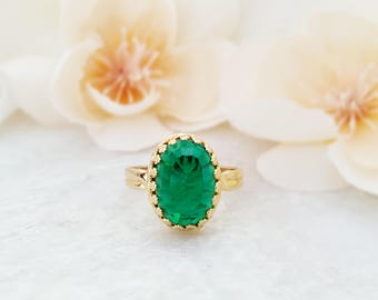 Emerald Green Ring ~ May Birthday Jewelry ~ May Birthstone Ring ~ Green Crystal Ring ~ Green Glass Ring ~ Statement Rings For Women R3000