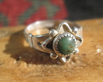 Bell Trading Post Green Turquoise and Sterling Ring Size 4.75
