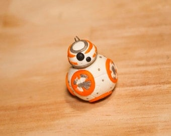Fimo figure inspired by Star Wars BB8