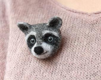 Raccoon brooch; Needle felted brooch raccoon's head