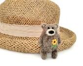 Grizzly bear brooch, Needle felt Teddy bear brooch, Stuffed animal jewelry, Graduation gift,  Mothers day gift, Black eyed susan flower pin