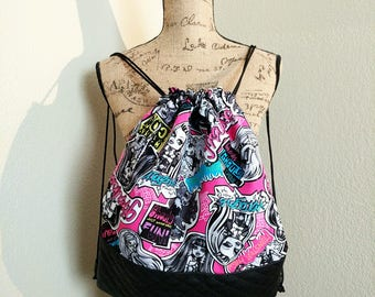 Monster High Girls Drawstring Backpack / Pink