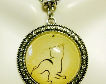 Cat chasing a fly pendant with chain - CAP26-033
