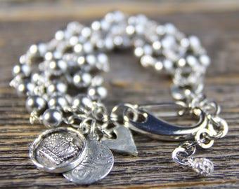 Pearl & Charm Bracelet, Grace Kelly, Rear Window, Multi Strand Pearl Bracelet, Silver Coin Jewelry, Charm Bracelet, Jewelry Trends 2017
