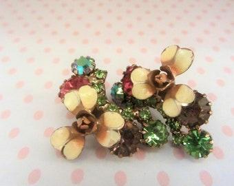 Vintage enamel rhinestone art deco clip on earrings, emerald rhinestone earrings, 40's retro green earrings, flower earrings,yellow enamel