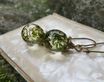 Resin Sphere Earrings - Green Moss Earrings - Pressed Flower Earrings - Nature Gift - Resin Jewelry - Pressed Flower Jewelry - Gift For Her