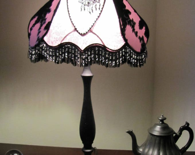American style Victorian stretch fabric lamp