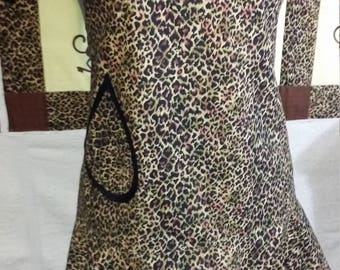 Ladies Leopard Print Apron