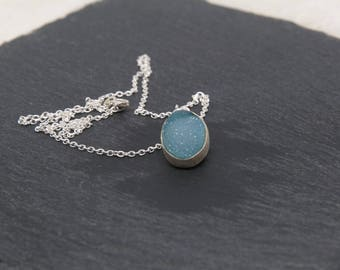 Necklace of sterling silver 925 with drusa of agate of blue color