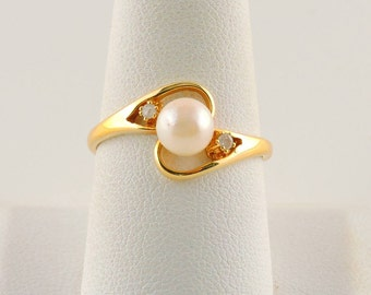 Size 9 14k Gold Plated Pearl And Diamond Ring