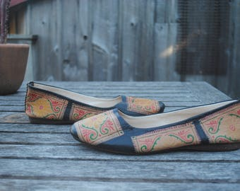 Lovely Vintage Handmade Painted Leather Flats, Women's Size 7.5-8