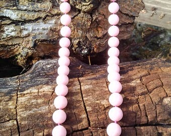 Vintage Pink Plastic Necklace/Vintage Plastic Pink Necklace/Pink Vintage Necklace/Vintage Pink Necklace/Plastic Vintage Necklace