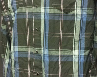 Vintage Wraingler Long Sleeved Button Up Shirt ( 16-33) XL tails