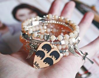 Beatles jewelry, Crystal cream beads layered charm bracelet, Guitar pick plectrum bangle, Beatles memorabilia gift for The Beatles women fan