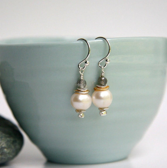 Labradorite and White Pearl drop earrings