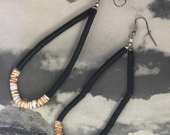 Black and Coral Heishi Beads Joclas Earrings