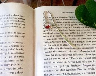 Bookmark/signet/ delicat 12 mm glass pendent/ heart