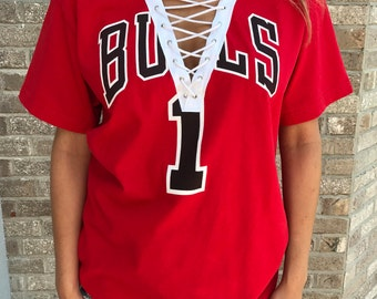 Vintage Chicago Bulls Lace Up Tee (L)