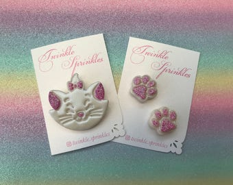 Marie paw brooches