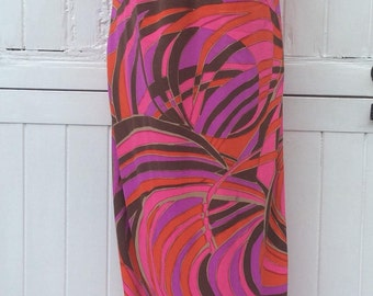 Sixties Abstract Swirl Print Swimsuit Dress.. Label : Elisabeth Stewart / California.