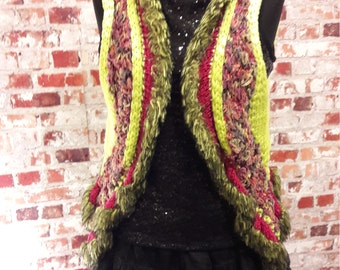 Extravagant vest in the Hippistyle
