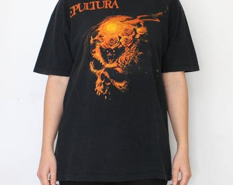 Sepultura T-shirt - European tour '89 Beneath the remains - vintage 80s 90s skull tshirt - tour shirt band shirt rock heavy metal - size XL