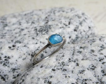 Rough Apatite Ring, Sterling Silver, Neon Blue Raw Gemstone, Crystal Minimalist Jewelry
