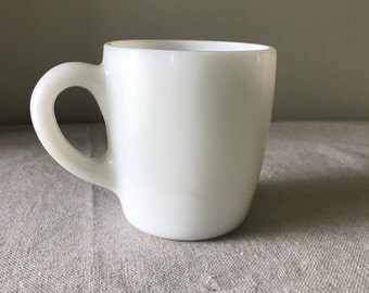 Vintage Unmarked Restaurant Style Milk Glass Mug