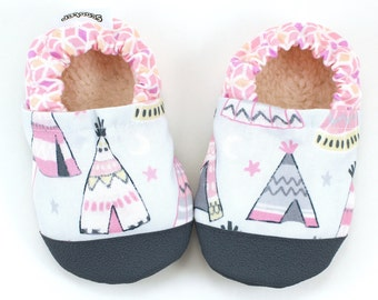 teepee baby shoes pink teepee booties soft sole shoes for baby girl baby shoes native american baby pink natural baby vegan baby clothing