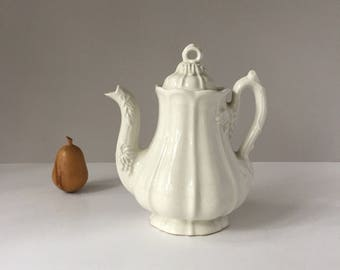 White Ironstone Coffee Pot, Red Cliff 1960s Antique Reproduction, Vintage Paneled Grape Teapot, After Jacob Furnival, Farmhouse Kitchen