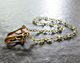Peridot Sweater Clip, 14K Gold Filled, Sweater Guard Clasp / Cardigan Clip / Shawl Collar Clips, August Birthstone Jewelry, Birthday Gift