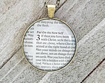 Colossians 3 Set your mind/Vintage Necklace Pendant/Gift for Her/Gift for mom/Gift for Wife/Christian Jewelry/Vintage Jewelry/Custom Jewelry