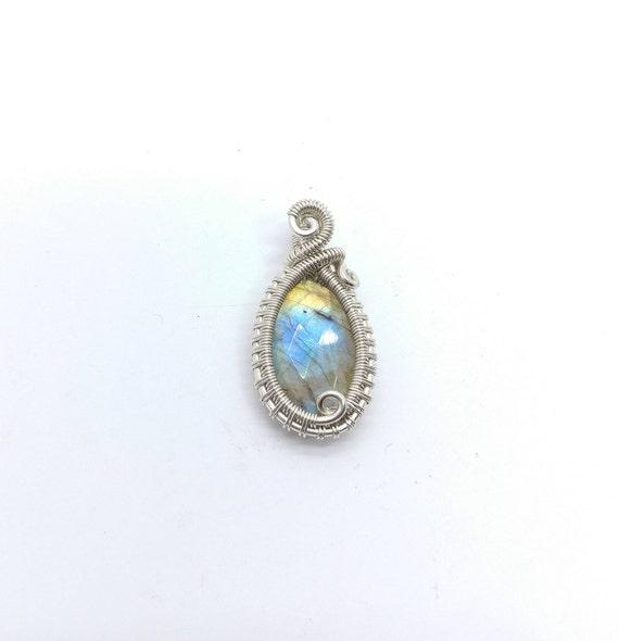 Rainbow Flash Labradorite Pendant Necklace |  Sterling Silver Wire Wrap Necklace | Rose Cut Gemstone | Labradorite Necklace for Woman