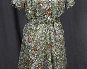 1960s Modest Shirtwaist Lightweight Cotton Day Dress with A-line Skirt