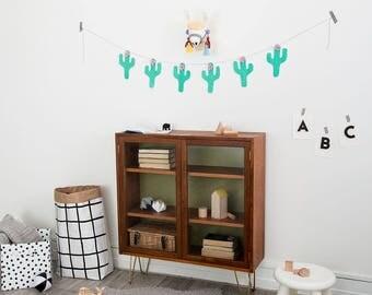 Felt llama, animal mount, llama head, childrens nursery, pom pom, childrens bedroom,