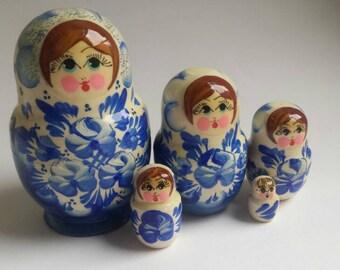 Russian dolls mini set Traditional nesting dolls, Matryoshka dolls, Nesting dolls, hand painted wooden dolls, Babushka  dolls