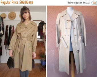 Summer Sale 1970's Beige Leather Trench Coat - Size S/M