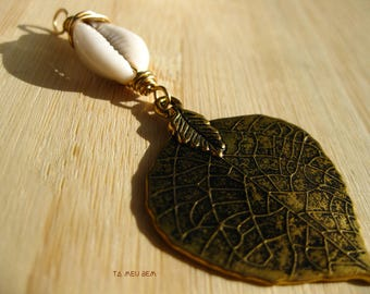 The Golden Leaf Cowrie Shell Pendant | Cowrie Shell Choker | Mother Nature Jewelry | Afrocentric Jewelry