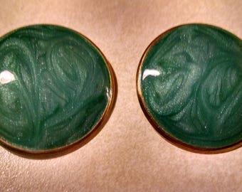Swirled Green Enamel Clip On Earrings, Round Earrings, Vintage Clip On Earrings, Gifts for Her, Clip On Earrings, Accessories,Womans Jewelry