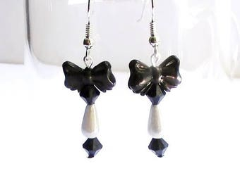 Magic miracle 3D drop earrings bowtie black and white beads