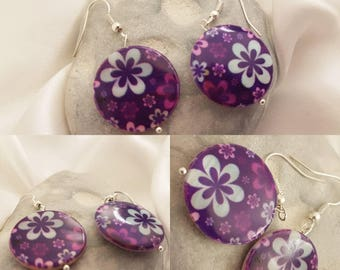 Mother of pearl earrings with purple flowers